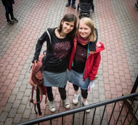 #beste freundinnen#gleiches t-shirt#geburtstagsbesuch#finnland#danke