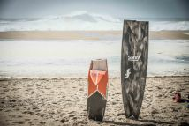 zerschmetterte Boards von den Big Waves