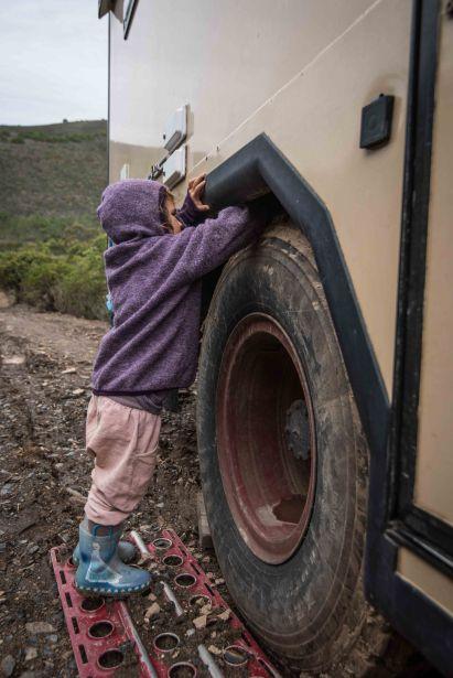 IIda macht den Reifen frei